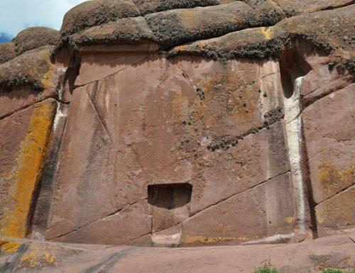 La porta di Aramu Muru.